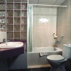 Отель Mercedes Испания, Льорет-де-Мар - 1 отзыв об отеле, цены и фото номеров - забронировать отель Mercedes онлайн ванная