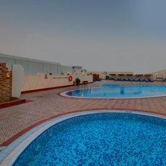 Отель Cassells Al Barsha Hotel by IGH ОАЭ, Дубай - 4 отзыва об отеле, цены и фото номеров - забронировать отель Cassells Al Barsha Hotel by IGH онлайн бассейн фото 2