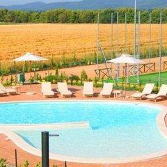 Отель Resort Il Casale Bolgherese Италия, Кастаньето-Кардуччи - отзывы, цены и фото номеров - забронировать отель Resort Il Casale Bolgherese онлайн бассейн фото 2