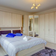 Апартаменты Centric and Spacious Apartment With Wifi and Balcony Гзира комната для гостей фото 2