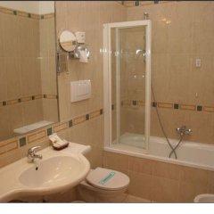 Hotel Adria Бари ванная