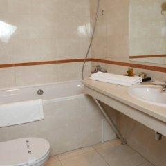 Гостиница Лавина Отель Украина, Днепр - отзывы, цены и фото номеров - забронировать гостиницу Лавина Отель онлайн ванная