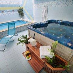 Отель PODHRAD Глубока-над-Влтавой бассейн фото 2