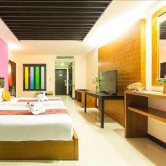 Отель Phuvaree Resort Пхукет сейф в номере