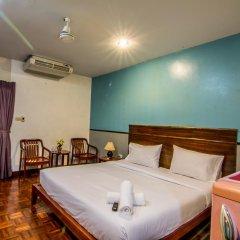 Отель Sutus Court 4 сейф в номере