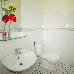 Отель Royal Homestay Вьетнам, Хойан - отзывы, цены и фото номеров - забронировать отель Royal Homestay онлайн ванная фото 2