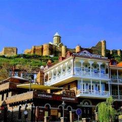 Отель Aivani Old Tbilisi Грузия, Тбилиси - отзывы, цены и фото номеров - забронировать отель Aivani Old Tbilisi онлайн приотельная территория фото 2