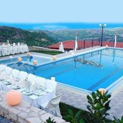 Отель Vergis Epavlis бассейн