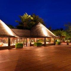 Отель Adaaran Select Hudhuranfushi Остров Гасфинолу интерьер отеля фото 2