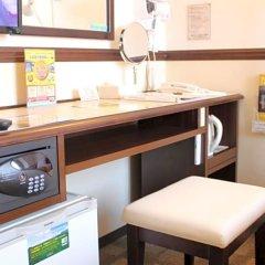 Отель Toyoko Inn Hakata-eki Minami сейф в номере
