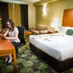 Отель Deerfoot Inn & Casino Канада, Калгари - отзывы, цены и фото номеров - забронировать отель Deerfoot Inn & Casino онлайн удобства в номере