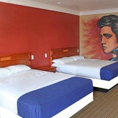 Отель Hollywood Inn Express North Лос-Анджелес комната для гостей