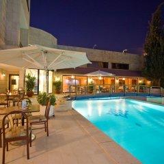 Отель Amman International бассейн фото 3