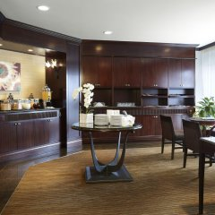 Отель Delta Hotels by Marriott Montreal спа