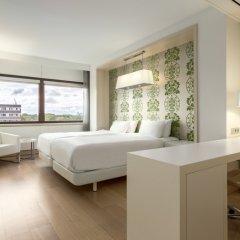 Отель NH Amsterdam Zuid 4* Стандартный номер с различными типами кроватей фото 7