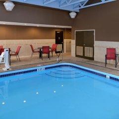 Отель Comfort Suites East бассейн фото 2