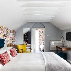 The Lodge Hotel - Putney сейф в номере