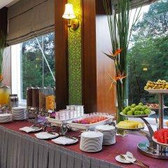 Отель Central Palace Hotel Вьетнам, Хошимин - отзывы, цены и фото номеров - забронировать отель Central Palace Hotel онлайн питание фото 3