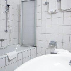 Отель Christina Германия, Кёльн - отзывы, цены и фото номеров - забронировать отель Christina онлайн ванная фото 2