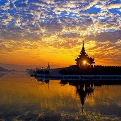 Sedona Hotel Mandalay пляж фото 2