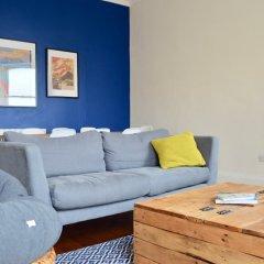 Отель Stylish 2 Bedroom Apartment In Great Location Великобритания, Эдинбург - отзывы, цены и фото номеров - забронировать отель Stylish 2 Bedroom Apartment In Great Location онлайн комната для гостей фото 5