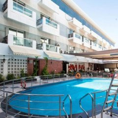 Fortune Karama Hotel бассейн фото 2