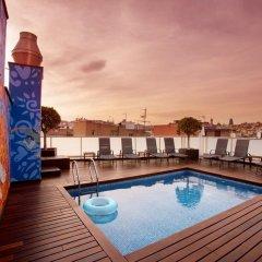 Отель Ciutat de Barcelona Испания, Барселона - 1 отзыв об отеле, цены и фото номеров - забронировать отель Ciutat de Barcelona онлайн бассейн фото 2