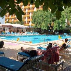 Hotel Majestic Mamaia бассейн