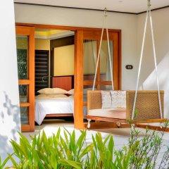 Отель Sheraton Maldives Full Moon Resort & Spa Мальдивы, Остров Фуранафуши - отзывы, цены и фото номеров - забронировать отель Sheraton Maldives Full Moon Resort & Spa онлайн балкон