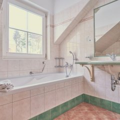 Отель Francis Чехия, Франтишкови-Лазне - отзывы, цены и фото номеров - забронировать отель Francis онлайн ванная