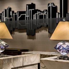 Отель Diamond Hotel Philippines Филиппины, Манила - отзывы, цены и фото номеров - забронировать отель Diamond Hotel Philippines онлайн интерьер отеля