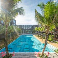 Отель Saturdays B105 бассейн