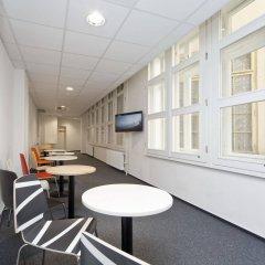 Hostel Ananas Прага комната для гостей