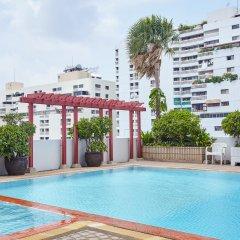Отель Baiyoke Suite Hotel Таиланд, Бангкок - 3 отзыва об отеле, цены и фото номеров - забронировать отель Baiyoke Suite Hotel онлайн бассейн