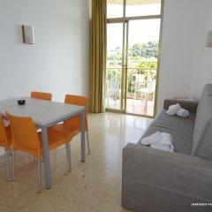 Отель Apartamentos ALEGRIA Bolero Park Испания, Льорет-де-Мар - 2 отзыва об отеле, цены и фото номеров - забронировать отель Apartamentos ALEGRIA Bolero Park онлайн комната для гостей фото 5
