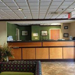 Отель Ramada by Wyndham Vicksburg интерьер отеля