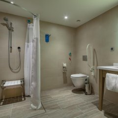 Hampton by Hilton Kahramanmaras Турция, Кахраманмарас - отзывы, цены и фото номеров - забронировать отель Hampton by Hilton Kahramanmaras онлайн ванная фото 2