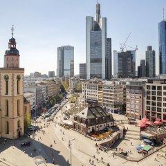 Отель Holiday Inn Express Frankfurt City Hauptbahnhof балкон