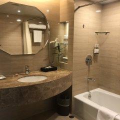 Отель Jianguo Hotel Shanghai Китай, Шанхай - отзывы, цены и фото номеров - забронировать отель Jianguo Hotel Shanghai онлайн ванная