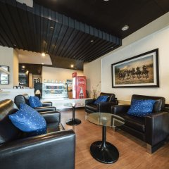 Отель The Tepp Serviced Apartment Таиланд, Бангкок - отзывы, цены и фото номеров - забронировать отель The Tepp Serviced Apartment онлайн комната для гостей фото 2