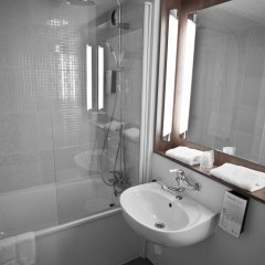 Отель Campanile Nice Airport ванная