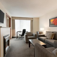 Отель Embassy Suites Montréal by Hilton Канада, Монреаль - отзывы, цены и фото номеров - забронировать отель Embassy Suites Montréal by Hilton онлайн комната для гостей