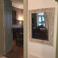 Отель The Captaincy Guesthouse Brussels сауна