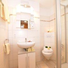 Отель Sport- und Familienhotel Riezlern ванная фото 2