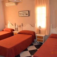Отель Camping-Bungalows El Faro Испания, Кониль-де-ла-Фронтера - отзывы, цены и фото номеров - забронировать отель Camping-Bungalows El Faro онлайн комната для гостей фото 3