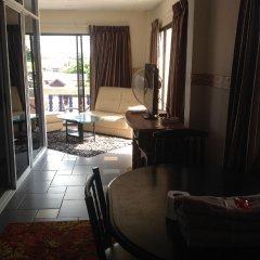 Отель Ben @ Lek Gay Friendly Guesthouse комната для гостей