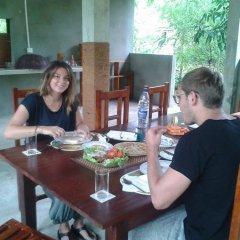 Отель Lavish Eco Jungle питание