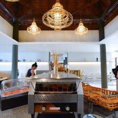 Отель Andaman Cannacia Resort & Spa Таиланд, пляж Ката - 1 отзыв об отеле, цены и фото номеров - забронировать отель Andaman Cannacia Resort & Spa онлайн гостиничный бар