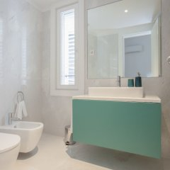 Апартаменты Liiiving - Aliados Luxury Apartments Порту ванная