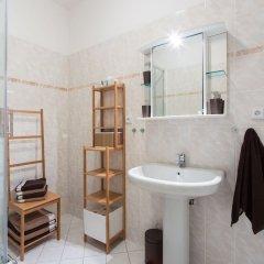 Отель Romantic Luxury in Old Town Prague Чехия, Прага - отзывы, цены и фото номеров - забронировать отель Romantic Luxury in Old Town Prague онлайн ванная